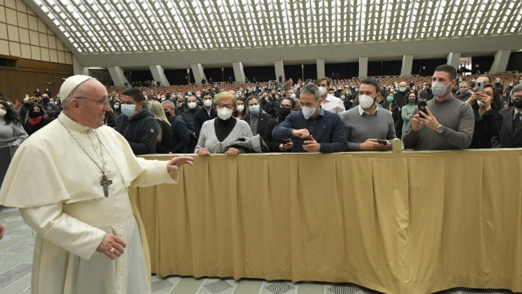Papa retoma as audiências gerais na Sala Paulo VI