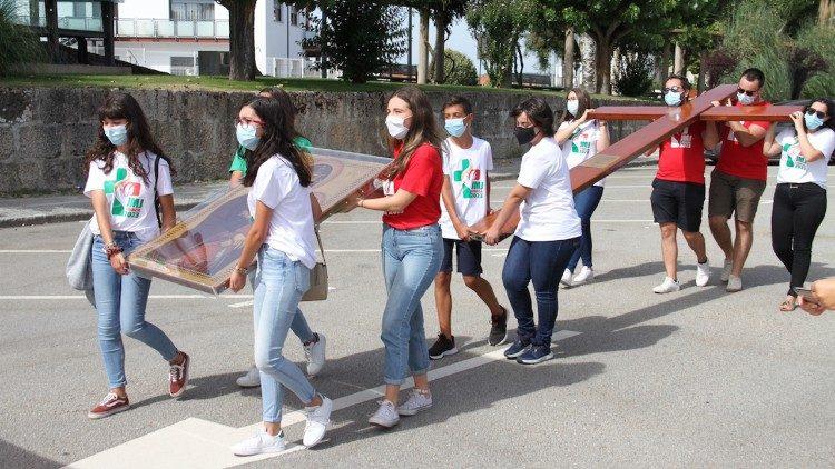 JMJ: jovens portugueses entregaram símbolos a jovens espanhóis
