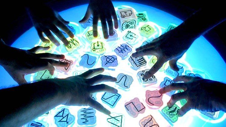 Comunicar o Humano e Humanizar a Comunicação