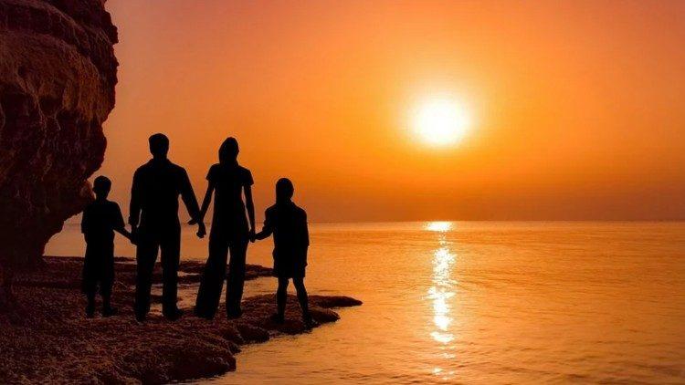 Belletti: pacto global sobre a família, instrumento útil para todos