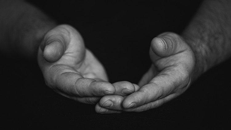 Cardeal Tempesta: Paz pelo mundo, rezar é nossa missão