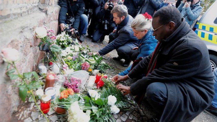 Papa manifesta pesar por atentado perto de sinagoga na Alemanha