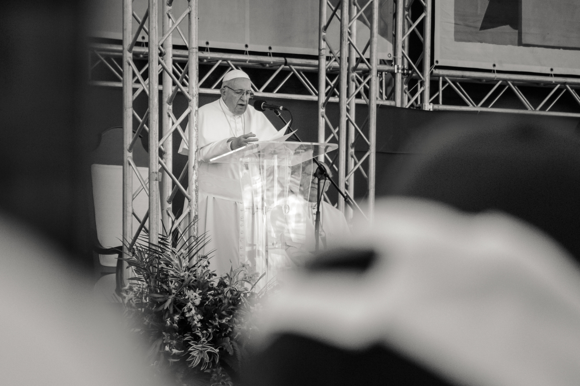 Papa Francisco incentiva a reagir diante da pandemia de coronavírus
