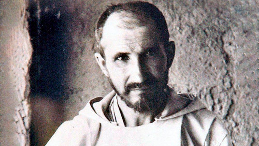 O Papa: Charles de Foucauld e outros seis novos santos para a Igreja