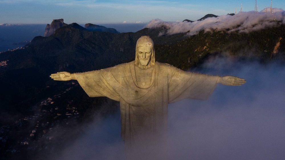 Papa: Cristo Redentor é um convite à fraternidade, ninguém fique de braços cruzados