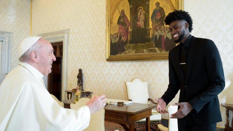 As estrelas da NBA encontram o Papa: contra o racismo