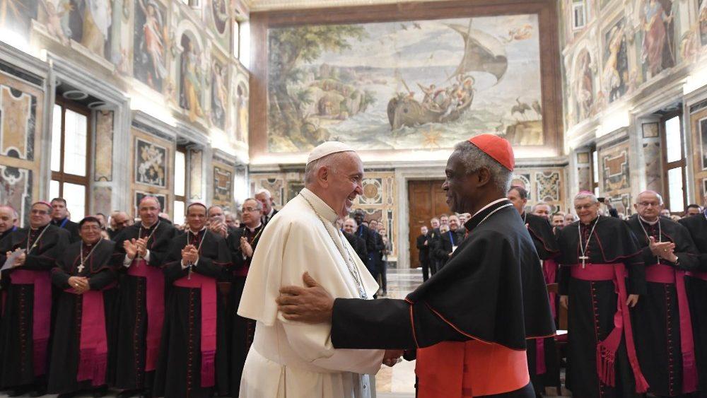 Papa: capelão militar está a serviço da segurança e da liberdade dos povos