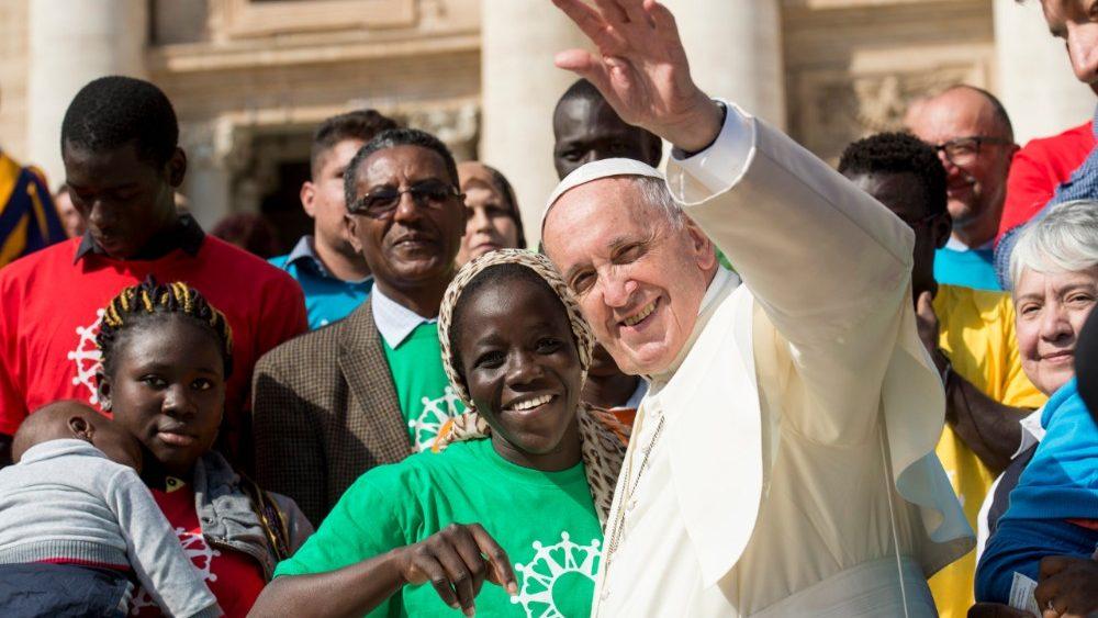 Papa: sonhar um mundo sem distinção entre nós e os outros migrantes