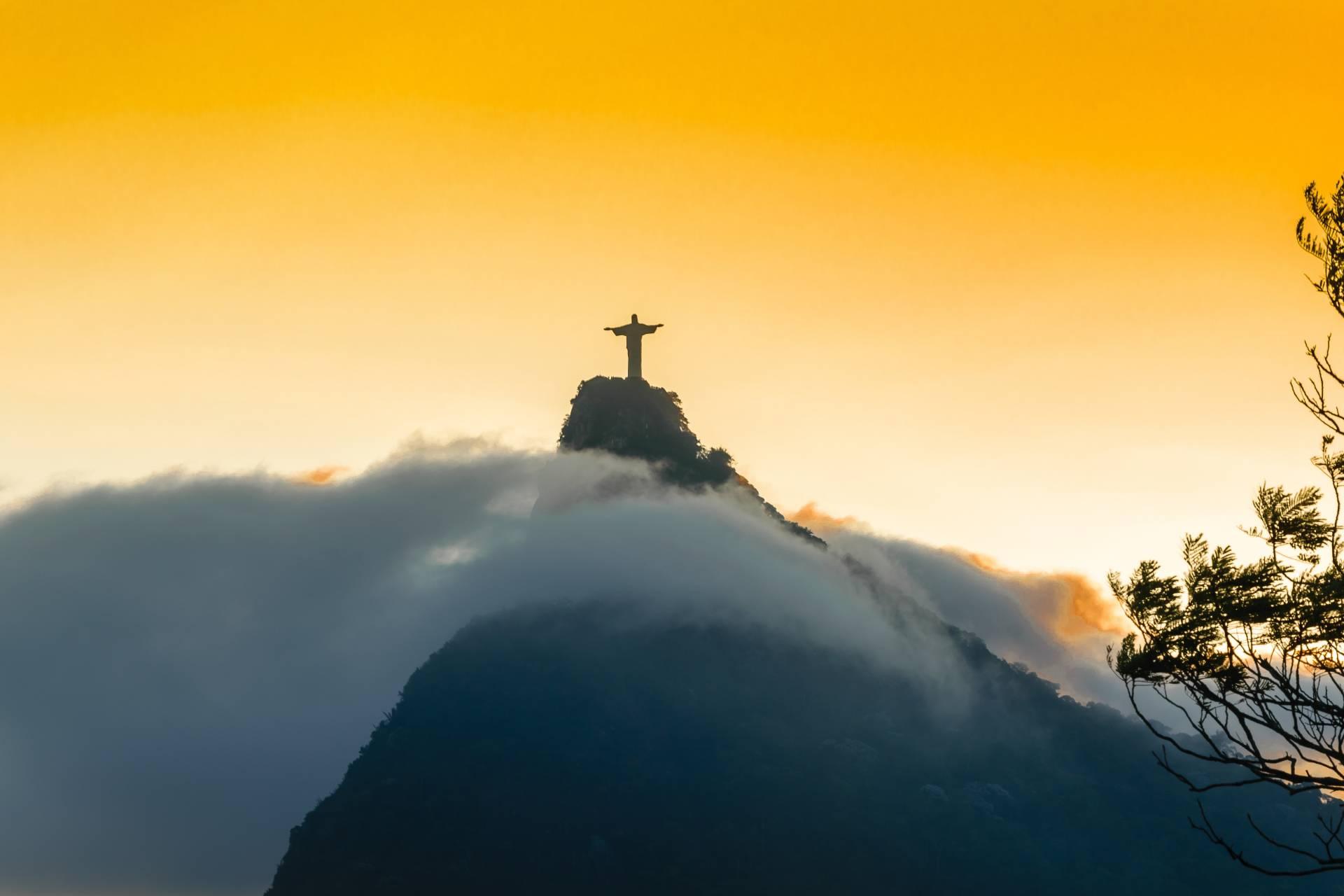 Missa aos pés do Cristo Redentor no Dia dos Pais recorda vítimas da Covid-19